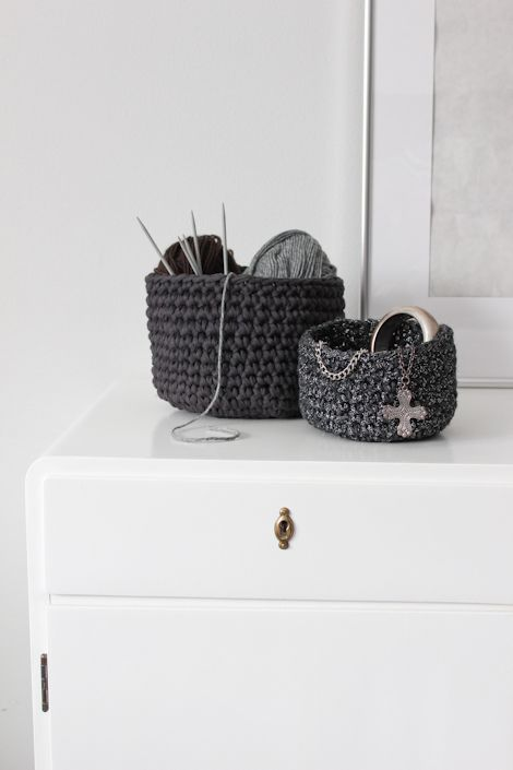 Diy Crocheted Baskets | NimiDesign  Great video tutorial and written pattern ❈ Karen Mitchell - Over the Moon ❈
