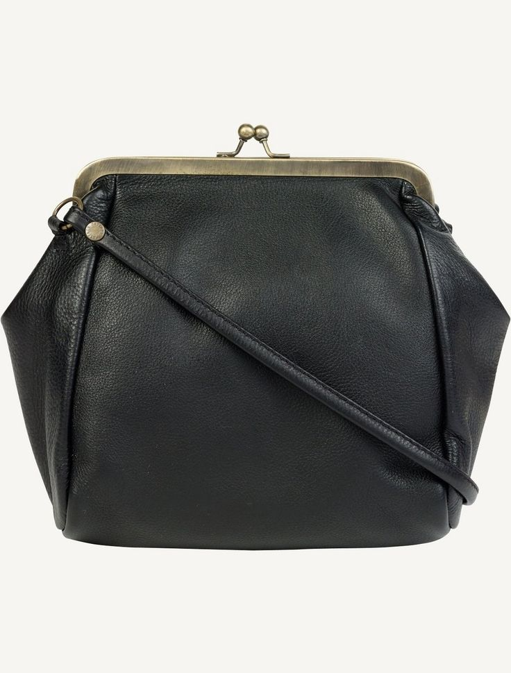 http://www.fatface.com/bags/small-clip-leather-cross-body-bag/invt/72569?utm_campaign=Week25DayNightUNV&utm_source=Cheetahmail&utm_medium=Email&cid=4169&mid=139725367