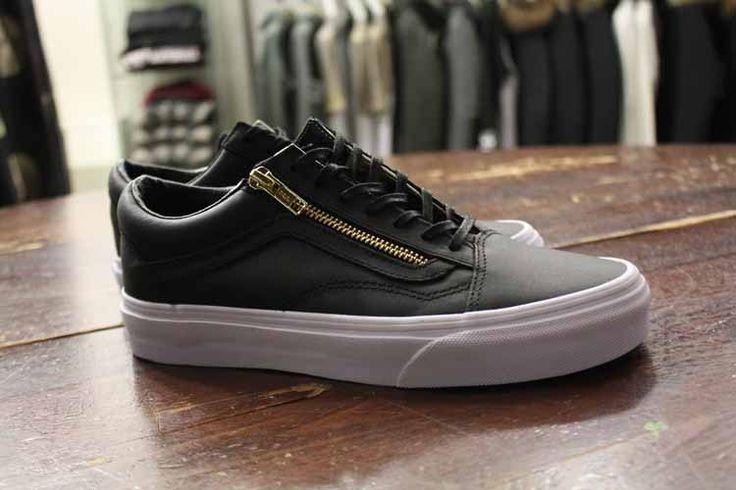 Vans - Old Skool Zip Black/Gold Leather - 100,00 €  http://www.simonsport.com