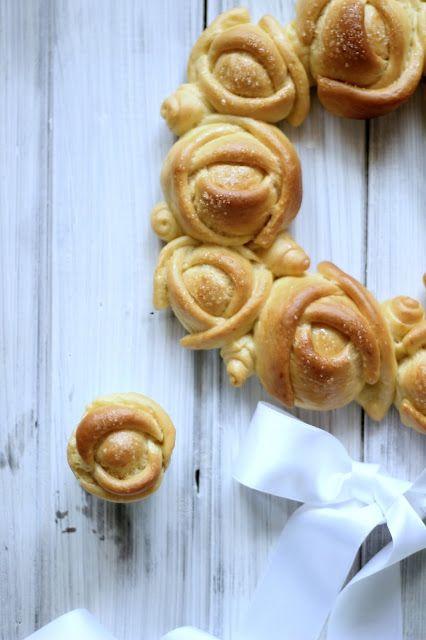 """""""di cuore"""": ghirlanda di rose di pan brioche"""