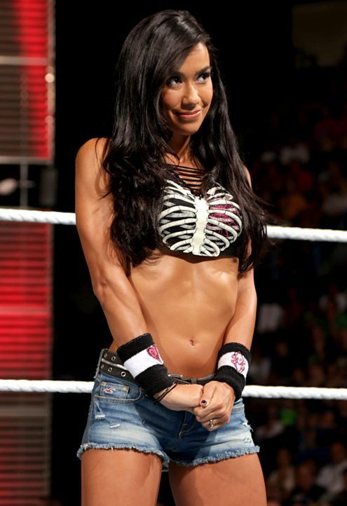 Wwe Raw Girl Hot Photo