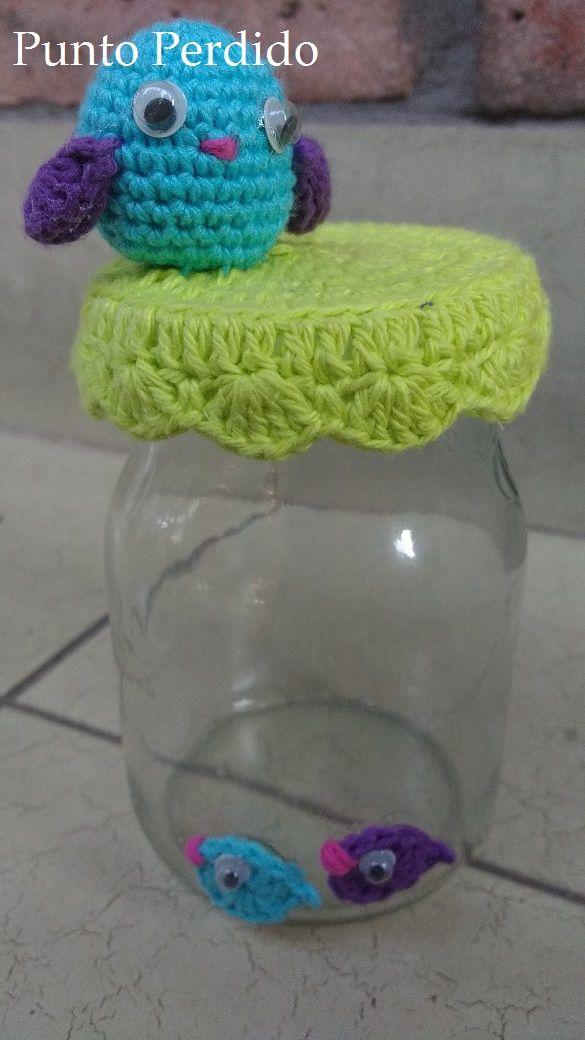 Hoy en Argentina festejamos el día de la madre. Como regalito les dejo el patrón de esta pajarita con sus pichones. En este caso es una c...
