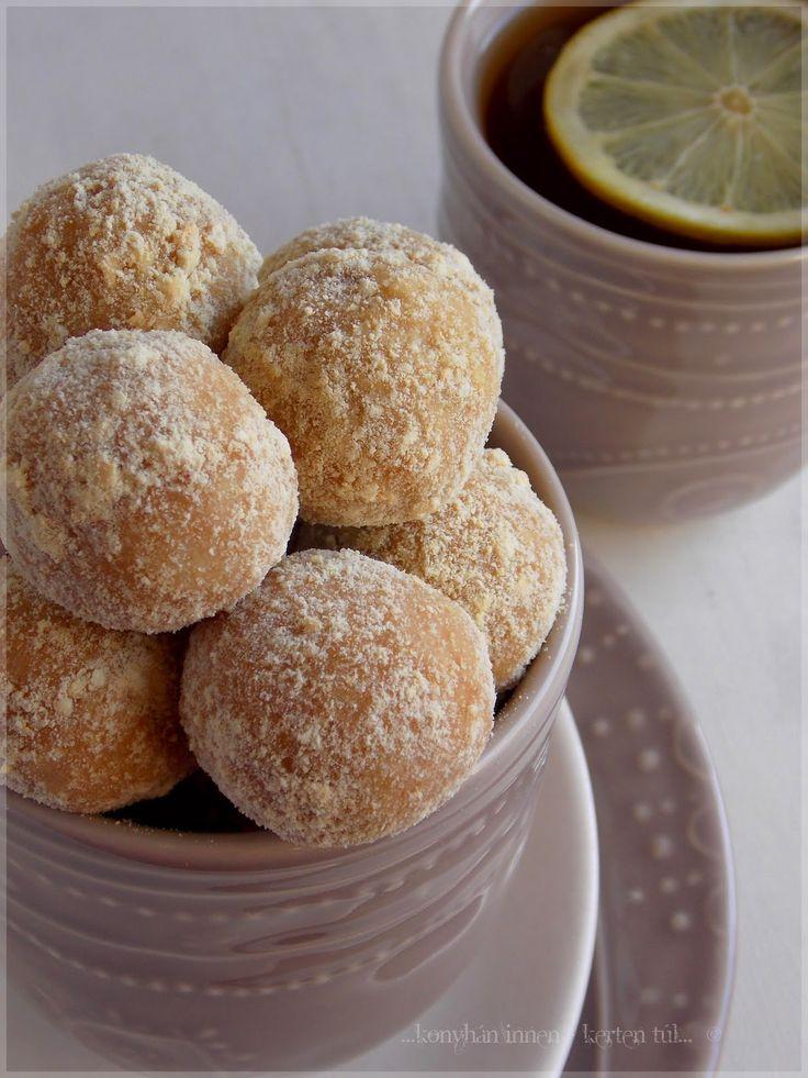 ...konyhán innen - kerten túl...: Fűszeres-almás kekszgolyó