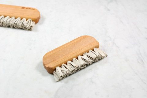 Natural rubber lint brush   Zero waste, plastic free alternative