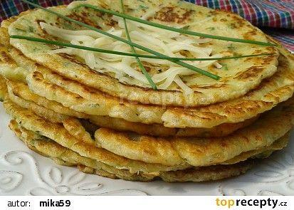 Palačinky ze dvou druhů sýru recept - TopRecepty.cz