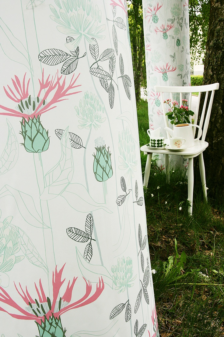 A warm summer's day - White from our wallpaper collection Summer Memories by Ulrika Gustafsson. Wallmural, Wallpaper, Photowall, Home decor, Fototapet, Valokuvatapetit.