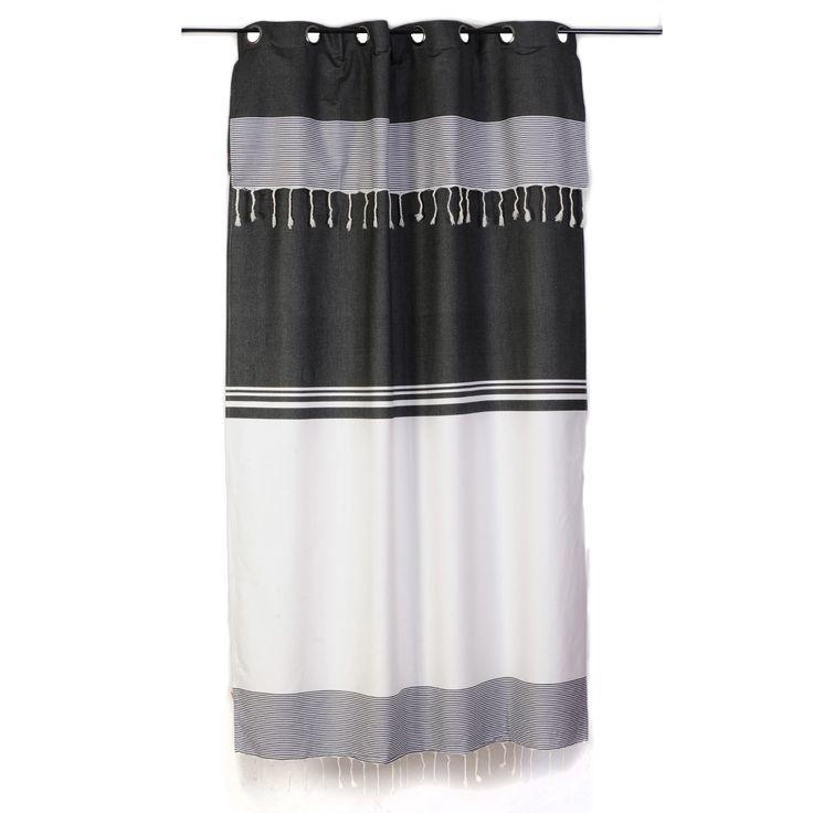 Rideau rayé noir et blanc style ethnique chic et ajustable en hauteur par un système de boutonnière. Composition 100% coton et lavable en machine. Collection Tanger T1 de Fouta Futée