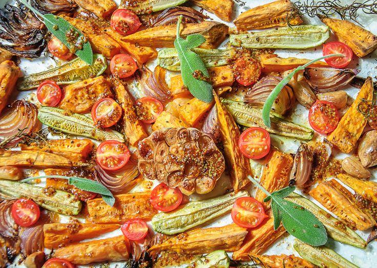 Батат с кабачками в соусе из кленового сиропа.
