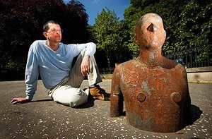Anthony Gormley: Antony Gormley 6 Times sculptural project