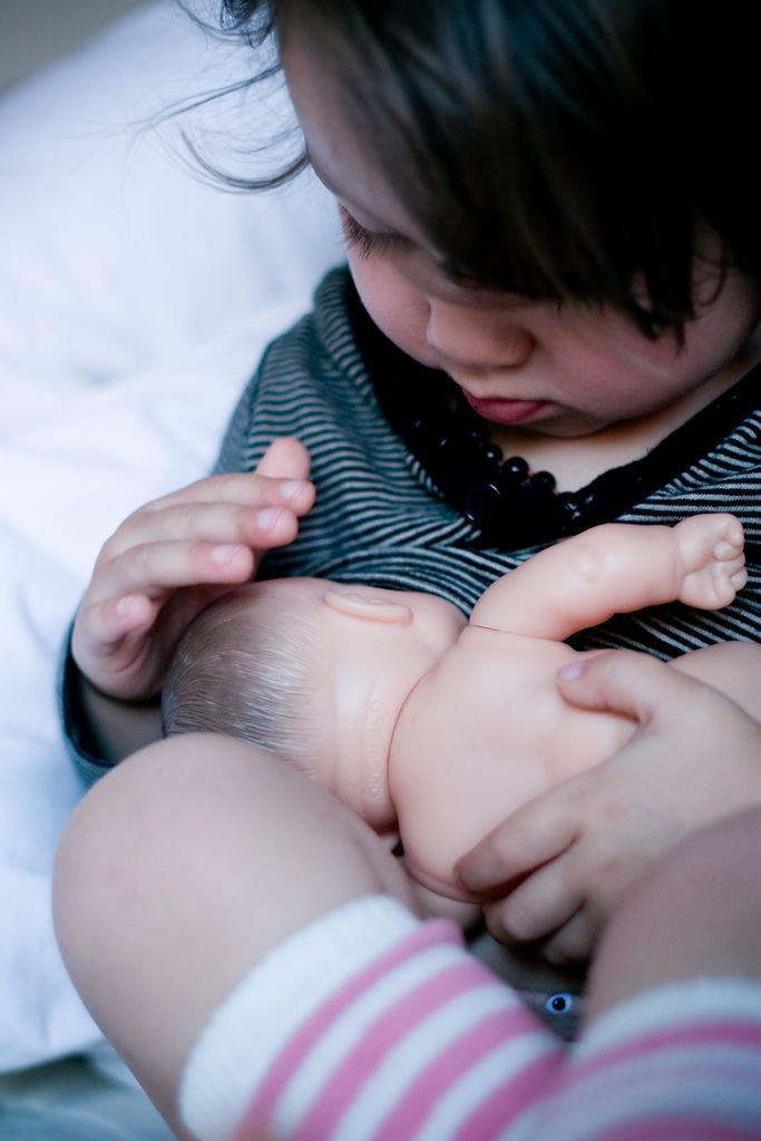 Jugando a lactar / Breastfeeding playing