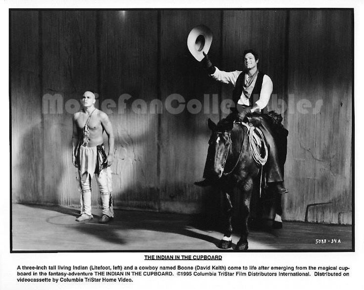 The Indian In The Cupboard 8x10 Still Photo Litefoot David Keith movie
