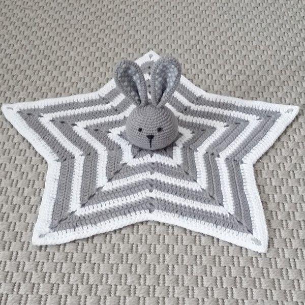 crochet rabbit, crochet baby, virkad snuttefilt