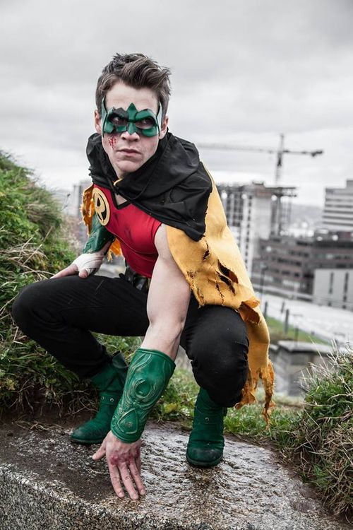 Robin - DC Universe Cosplay by Michael Hamm #cosplay