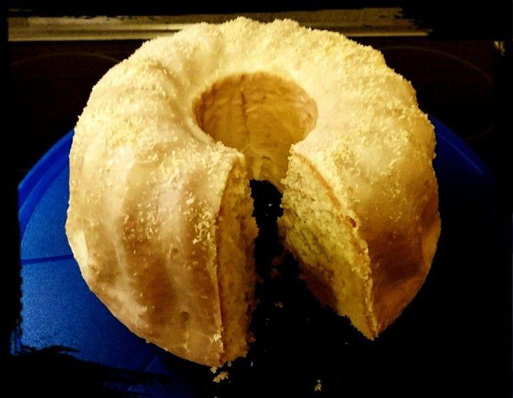 Kokoskuchen mit Kokosmilch, ein beliebtes Rezept mit Bild aus der Kategorie Kuchen. 199 Bewertungen: Ø 4,3. Tags: Backen, Kuchen