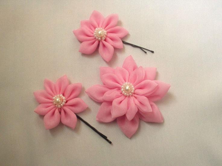 Rózsaszín hajcsatt és hajgumi by http://www.breslo.hu/szirom/shop