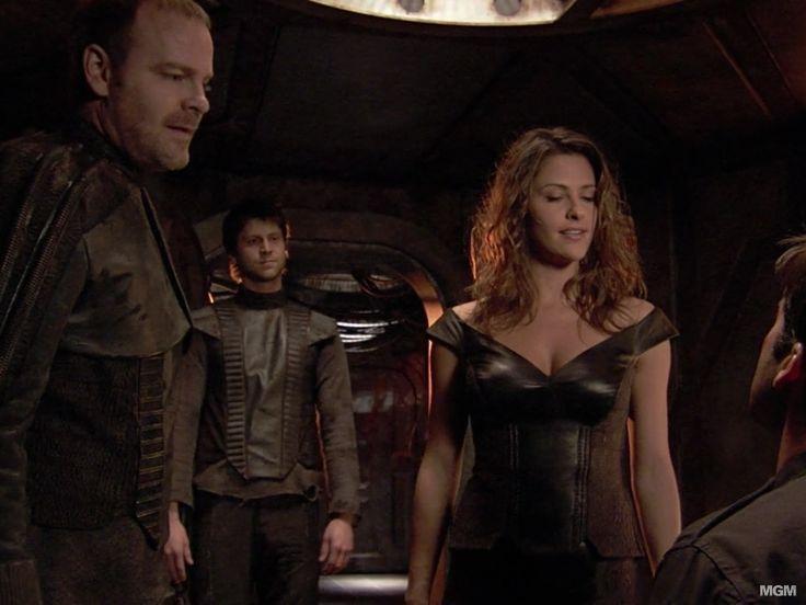 """Stargate Atlantis 4.5 """"Travelers"""" Jill Wagner as Larrin"""