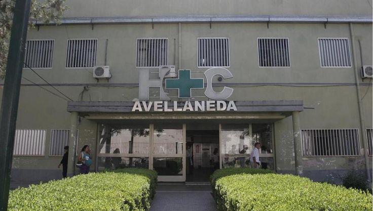 #Lo estaban curando, de golpe se alteró y destrozó la guardia del hospital Avellaneda - La Gaceta Tucumán: La Gaceta Tucumán Lo estaban…