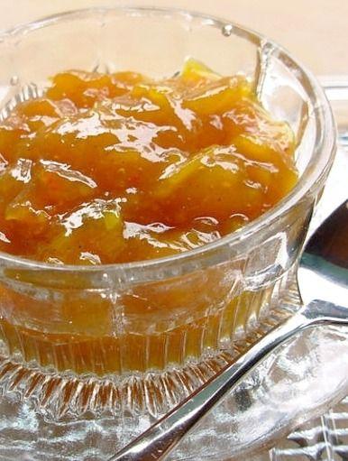 Golden Saffron Pear Chutney