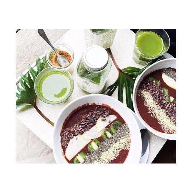 Depuis quelque temps on est dingue de #chia merci pour l'inspiration @dalumaofficial ! De quoi nous mettre en forme pour une bonne heure de#barreausol#berlin#greenjuice#organic#glutenfree