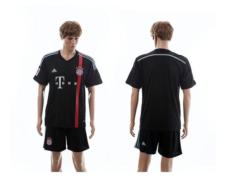 camiseta fútbol club Bayern Munich 2014-15 temporada, el equipo participó en la Tailandia equipación Liga de Campeones, también la salida del club Camisetas Tercera Bayern Munich, para celebrar el club en el notable logro Champions League, y muestra propio espíritu de equipo único del club.