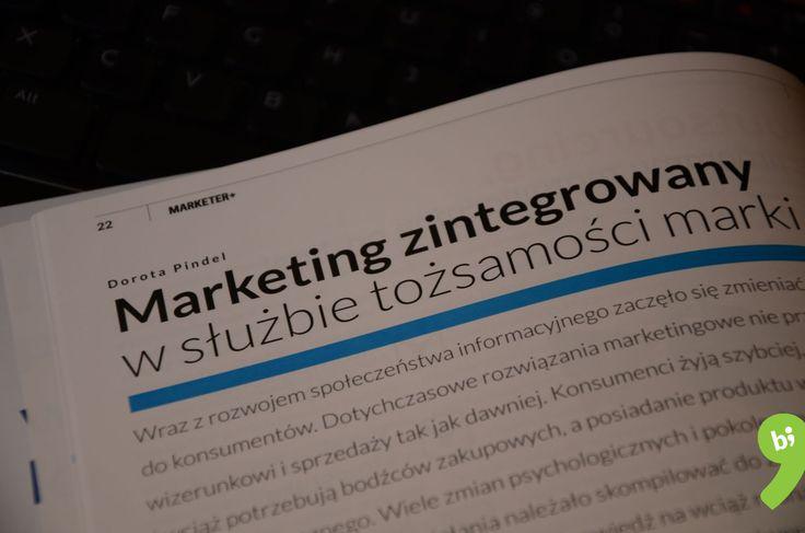 """Kolejny artykuł w drukowanym magazynie Marketer+ - tym razem """"Marketing zintegrowany w służbie tożsamości marki"""". Zapraszamy do lektury!  Z tego artykułu dowiecie się:  - jaki wpływ na marketing miały zmiany społeczne,  - na czym polega kreowanie tożsamości marki, - czym jest marketing zintegrowany,  - jak stworzyć kampanię kreującą tożsamość marki i opierającą się o marketing zintegrowany.  www.marketerplus.pl/teksty/artykuly/marketing-zintegrowany-sluzbie-tozsamosci-marki/"""