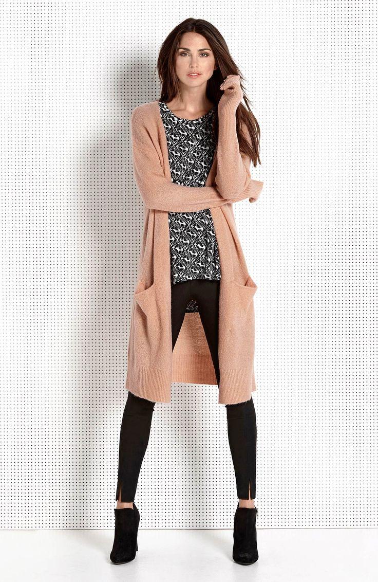 DZIANINY // AMY'S STORIES Piękny sweter w modnym kolorze pudrowego różu, 179 zł.