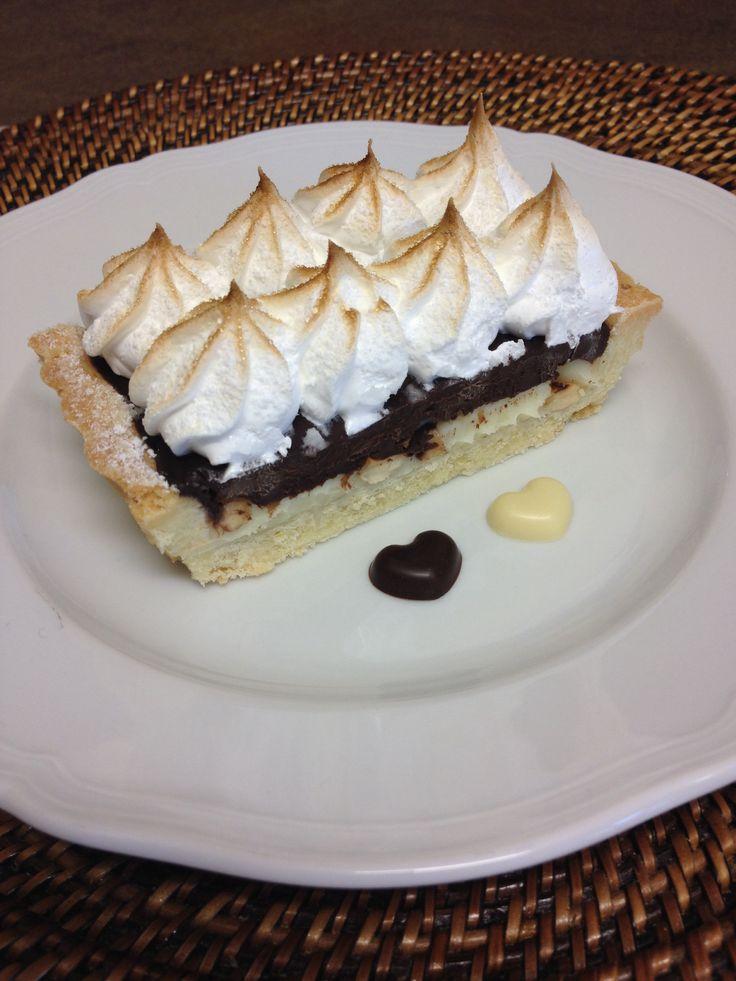 Crostata ganache cioccolato bianco e fondente con meringa