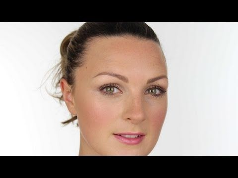 Learn how to apply makeup for work. Learn how to mix and match your wardrobe. http://careerscoach.com.au/course/dressforcareersuccess/