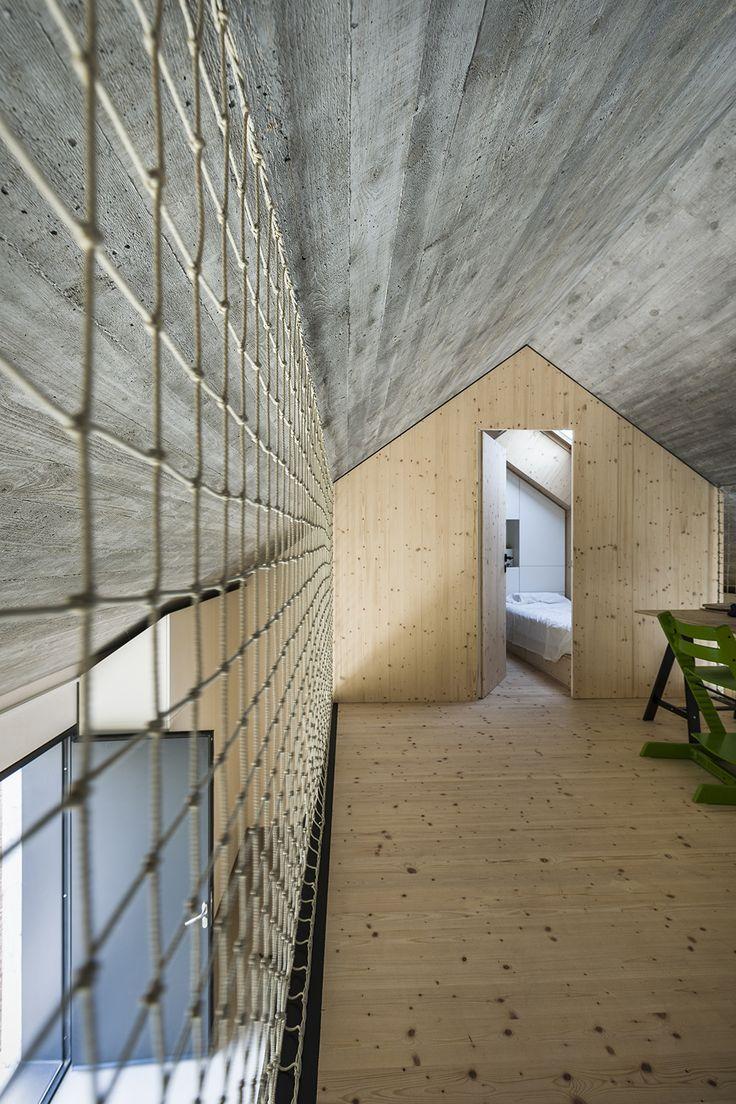 Gallery of Compact Karst House / dekleva gregorič arhitekti - 24