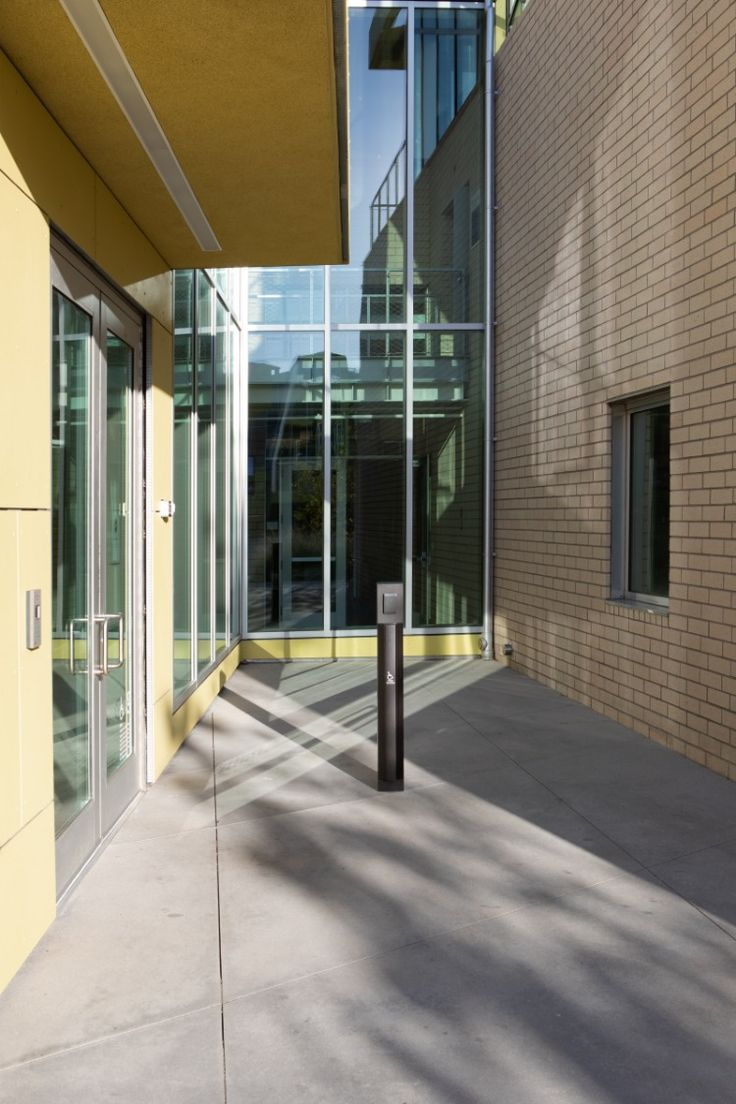 KCRW Entrance, Clive Wilkinson, Architect, Santa Monica