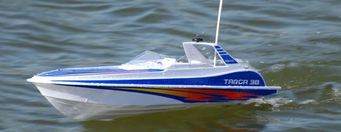 Our Best rc boat is the Dynam Rc Targa. This boat has a good water cooled racing engine, seperate ESC and high quality radio gear, like a radio controlled car. It also uses a 7.2V Tamiya type race battery provides more power and very high speeds.