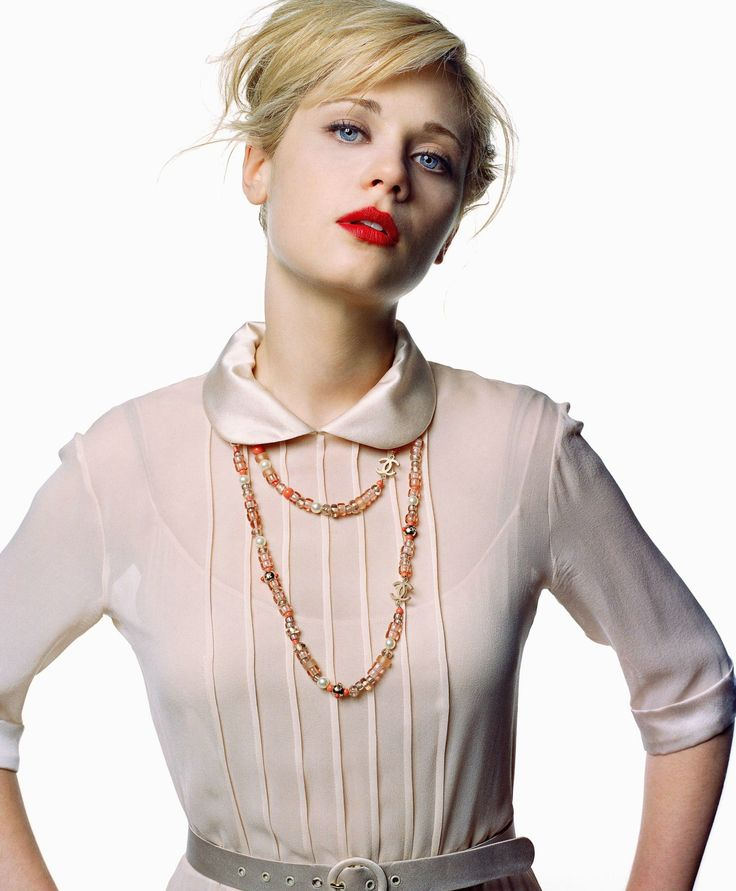 I'm not sure about Zooey Deschanel's blonde locks, but I'm loving that shirt