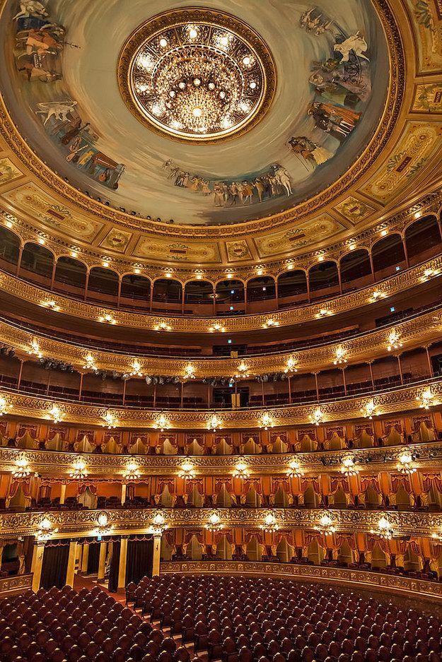 El imponente teatro Colón. | 28 Motivos por los que vivir en Buenos Aires te arruina la vida