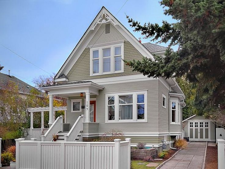 Two tone siding exterior house designs pinterest home design paint colors and home - Best exterior paint combinations model ...