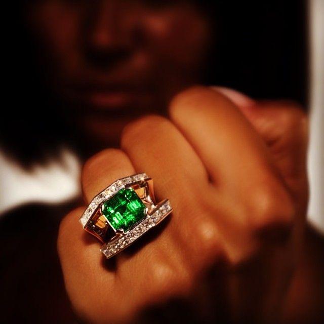 Bague Scavia en or, émeraude et diamant