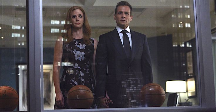 Harvey and Donna holding hands (Suits - P.S.L episode, season 6) #Darvey