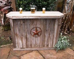 Outdoor bar (so want one - one day)