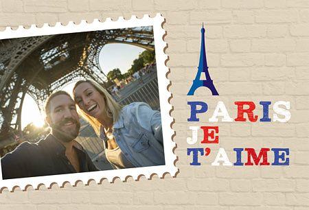 Carte postale personnalisée Paris avec son timbre et son emplacement photo elle fera le bonheur de tous vos proches ! Un petit souvenir de la Tour Eiffel mettra en valeur votre carte !! Faites plaisir avec Popcarte !