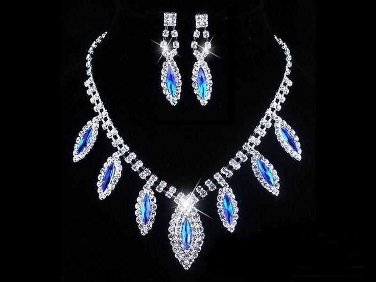 Csillogó esküvői nyakék szett strassz kövekkel és sötét kék kristályokkal díszítve