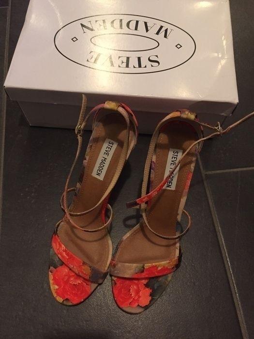 Steve Madden Sandaletten Sandalen high heels 39 bunt rot Blumen Rosen