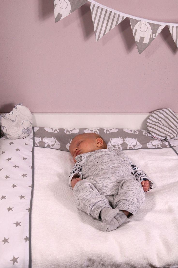 Stunning Babyzimmer Kinderzimmer Baby Erstausstattung Inspiration Niedliche Wickelauflage Fuchs mit Sternen f r die Wickelkommode von HOBEA