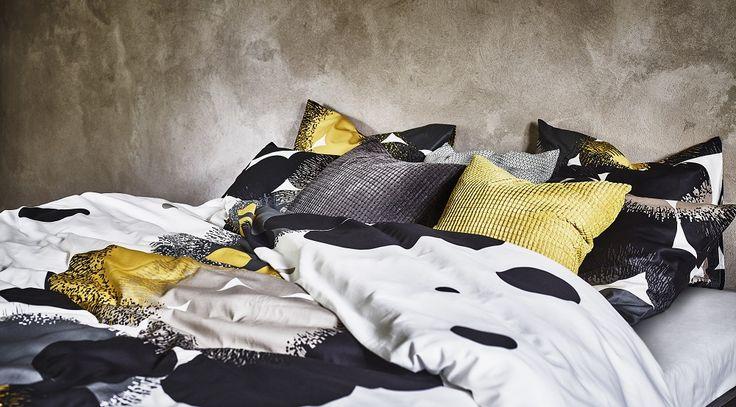 BOLLTISTEL Παπλ/θήκη και 2 μαξ/θήκες. Το μοτίβο είναι εμπνευσμένο από τα αγριολούλουδα και θα δώσει ιδιαίτερο στιλ στο υπνοδωμάτιό σου.
