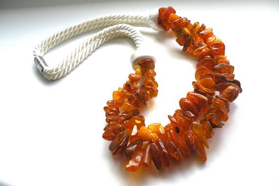 Necklace-Amber-Ecru