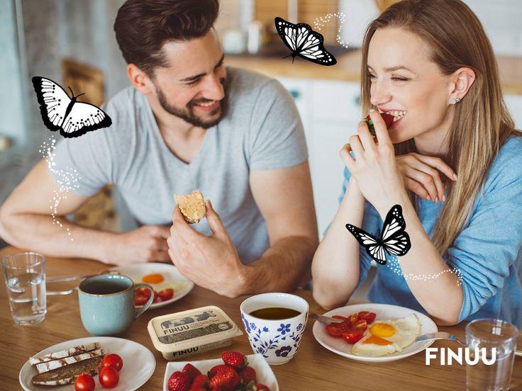 Finowie potrafią celebrować wspólne chwile, dlatego wiedzą, że czasami warto wyjść nieco później do pracy tylko dlatego, żeby wspólnie z bliską osobą zjeść wspólne śniadanie! Robicie takie wyjątki? #finuu #finlandia #lifestyle #sniadanie #inspiracja #slowlife
