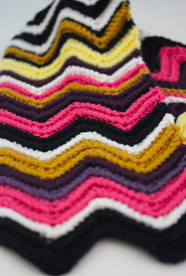 chevron scarf - with crochet pattern