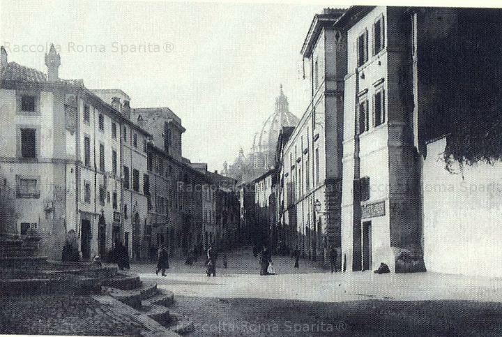 """Foto storiche di Roma - La """"Spina di Borgo"""" prima delle demolizioni."""