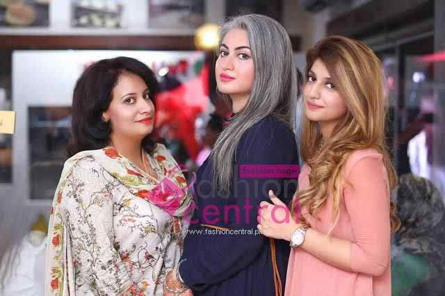 Current Events, Pakistani Fashion Events, Pakistan Fashion, Pakistani Dresses  Launching of Cafe O My Buns In Islamabad