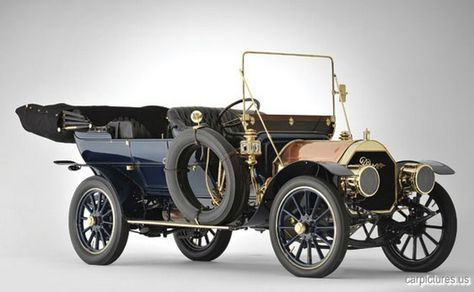 1909 Pierce Great Arrow Series PP 40HP 7-Passenger Touring Car