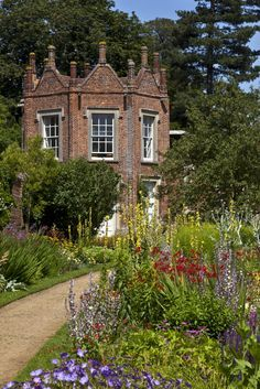 England Travel Inspiration - The Pavilion in the garden at Melford Hall, Suffolk | National Trust Images