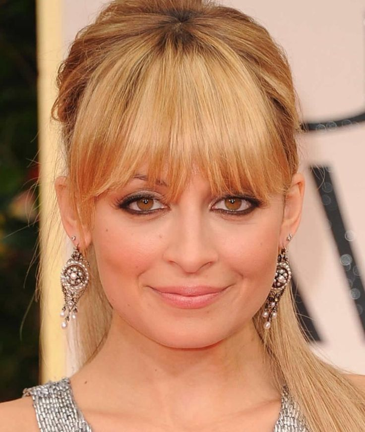 Square Shaped Face Hairstyles: Square Facial Shape Look Very Angular With A Lot Of